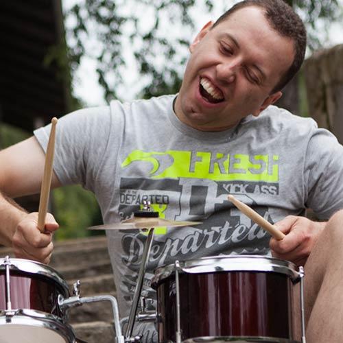 Kasplattnrocker Schlagzeuger Konrad